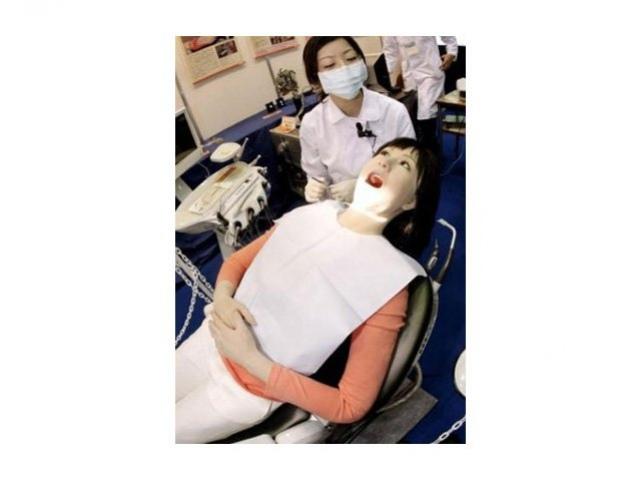 Подопытный робот для дантистов
