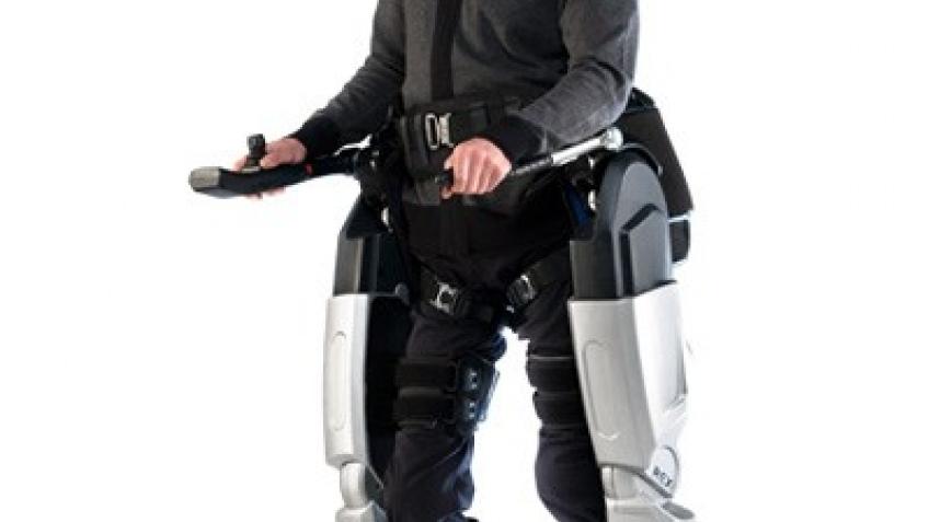 Экзоскелет заменит кресло-каталку