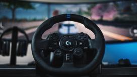 Logitech представила гоночный руль G923 с откликом TrueForce