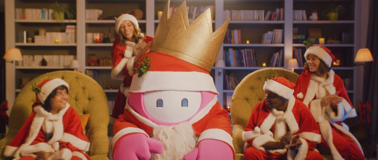 В Fall Guys до25 декабря дарят костюм Деда Мороза