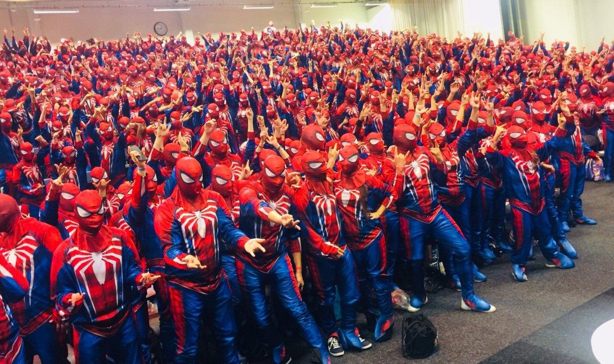 Поклонники Marvel собираются штурмовать штаб-квартиру Sony в костюмах Человека-паука