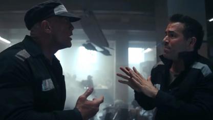 «Скала» против ОМОНа в трейлере «Красного уведомления» Netflix