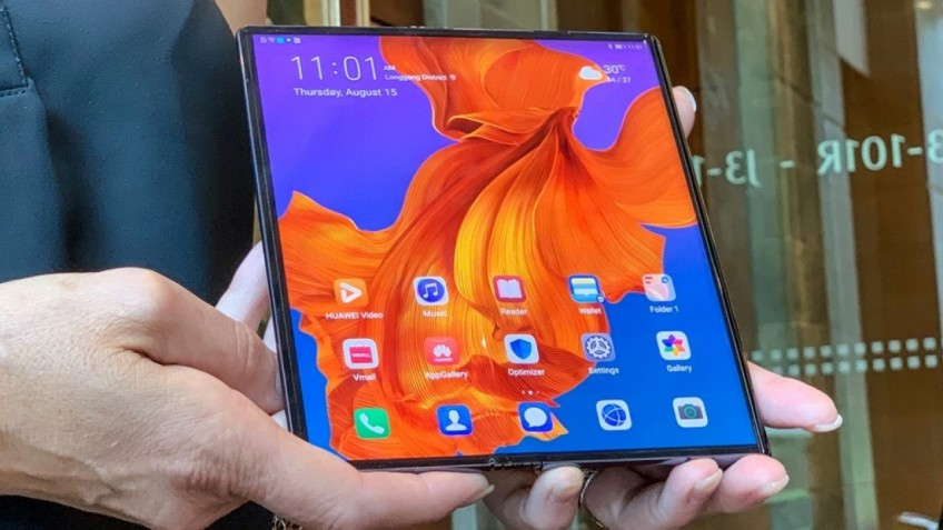 Huawei снова перенесла выход смартфона со складным экраном Mate X