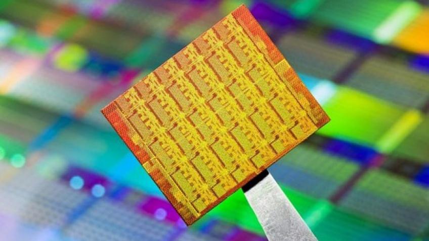 Intel работает над 48-ядерными процессорами для смартфонов
