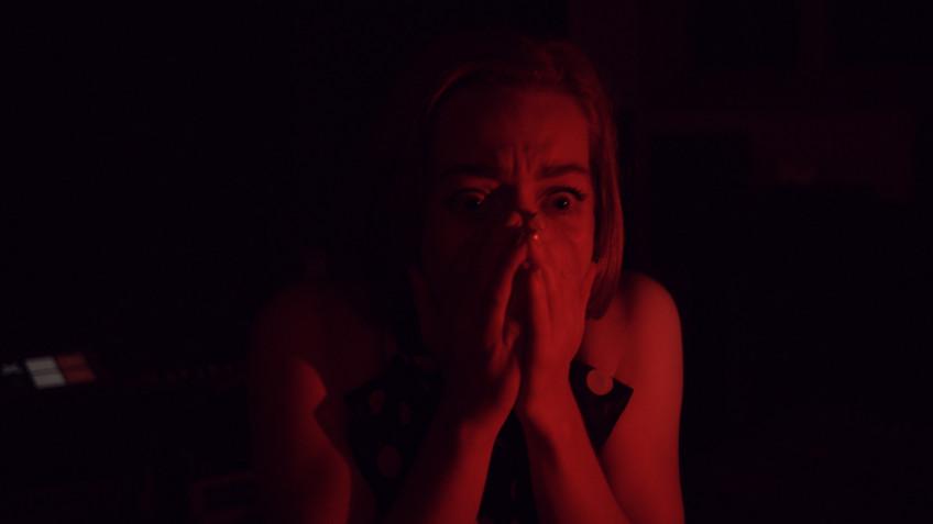 FMV-детектив Dark Nights with Poe and Munro в мае выходит на консолях