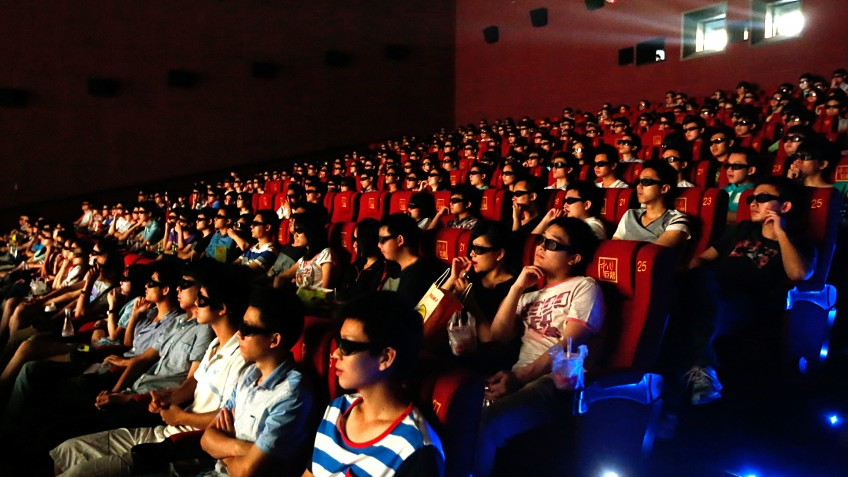 В Китае на фоне ослабления пандемии коронавируса начали открывать кинотеатры