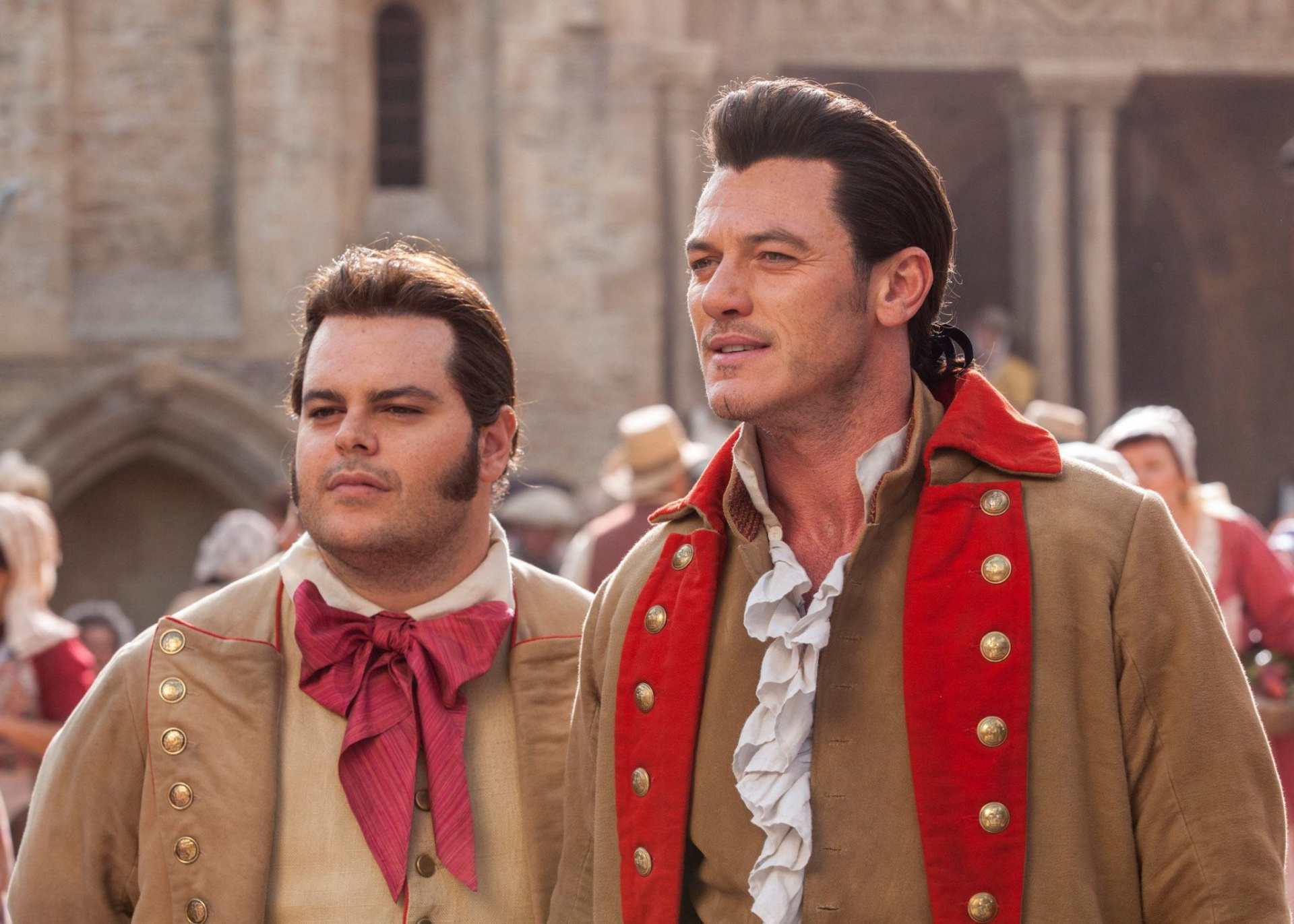 Disney заказала сериал-приквел «Красавицы и чудовища» про Гастона и Лефу