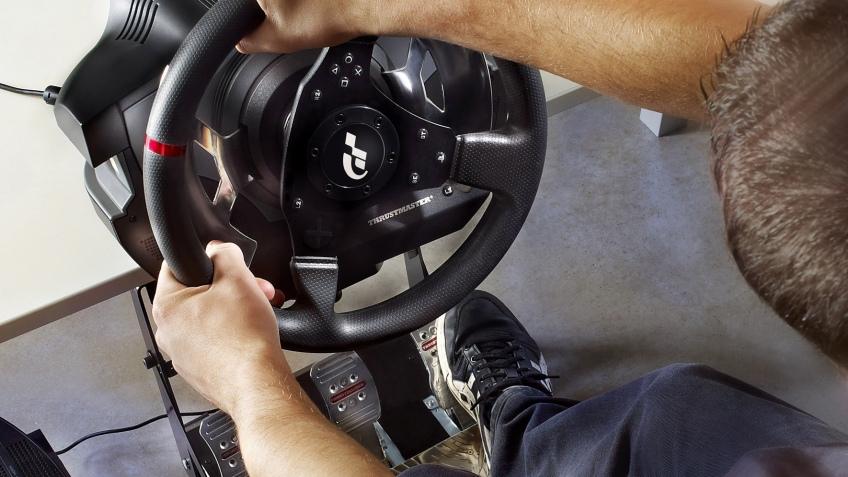 Thrustmaster представила продвинутый руль для владельцев PS3