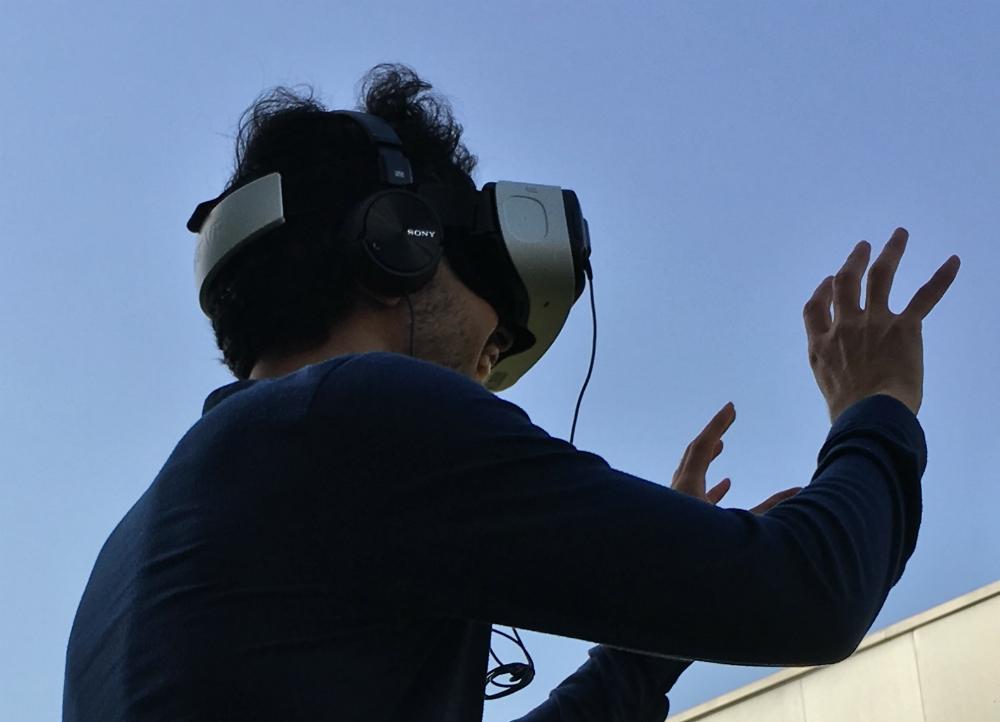 В продаже появились VR-очки Oculus Go с набором взрослого контента