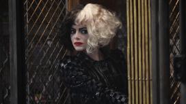 В новом ролике «Круэллы» Эмма Стоун рассказала о подходе к роли злодейки