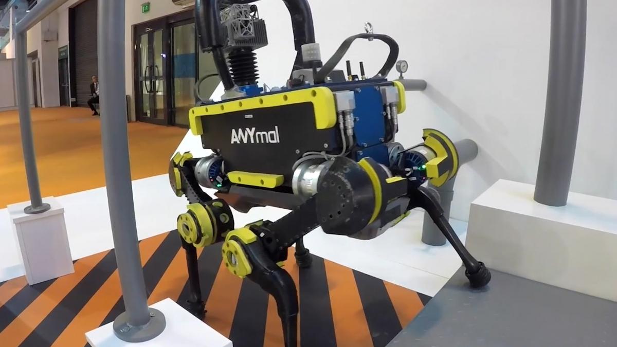 В Швейцарии создали робота, который может сам подняться с колен