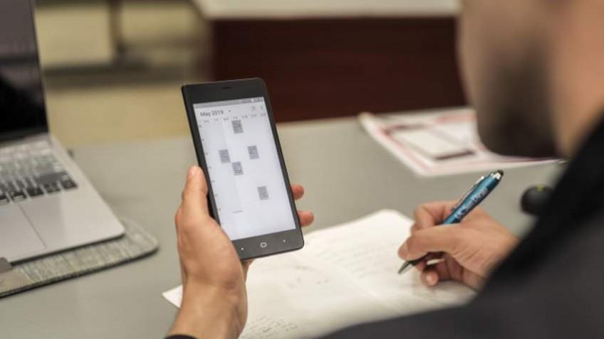 Kingrow K1 — странный и дорогой смартфон с экраном E Ink