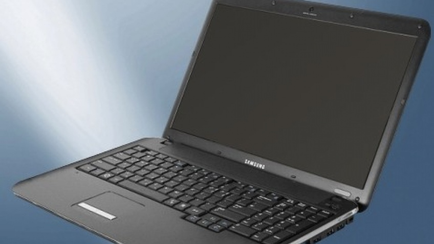 Samsung представила пару CULV-ноутбуков
