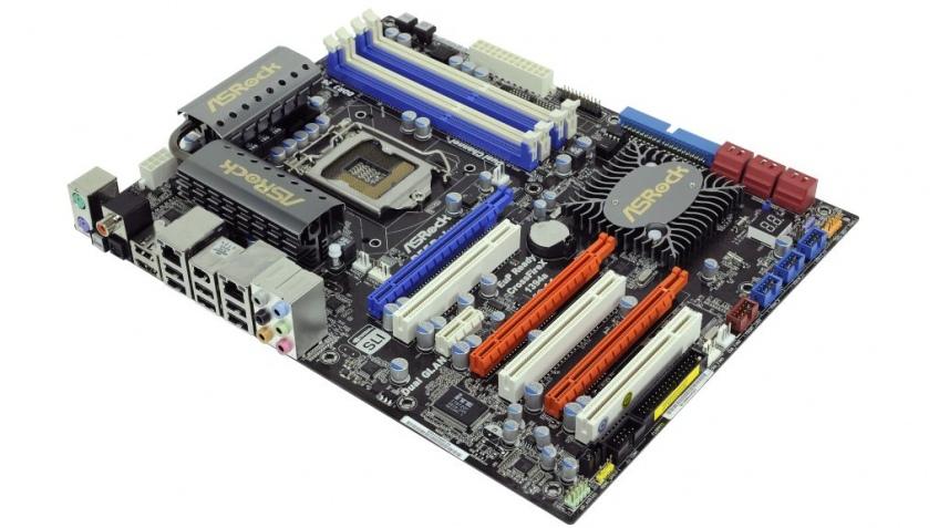Компания ASRock представила линейку плат на основе Intel P55