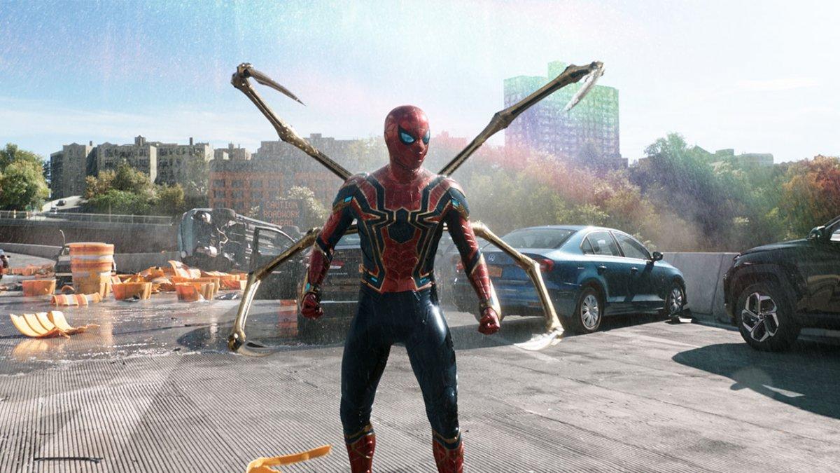 Sony не хотела кроссовера Человеков-пауков в «Через вселенные»