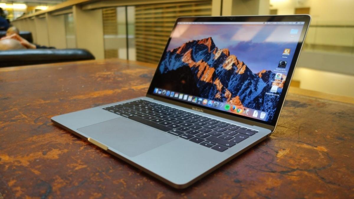 MacBook Pro обзавелись шестиядерными процессорами