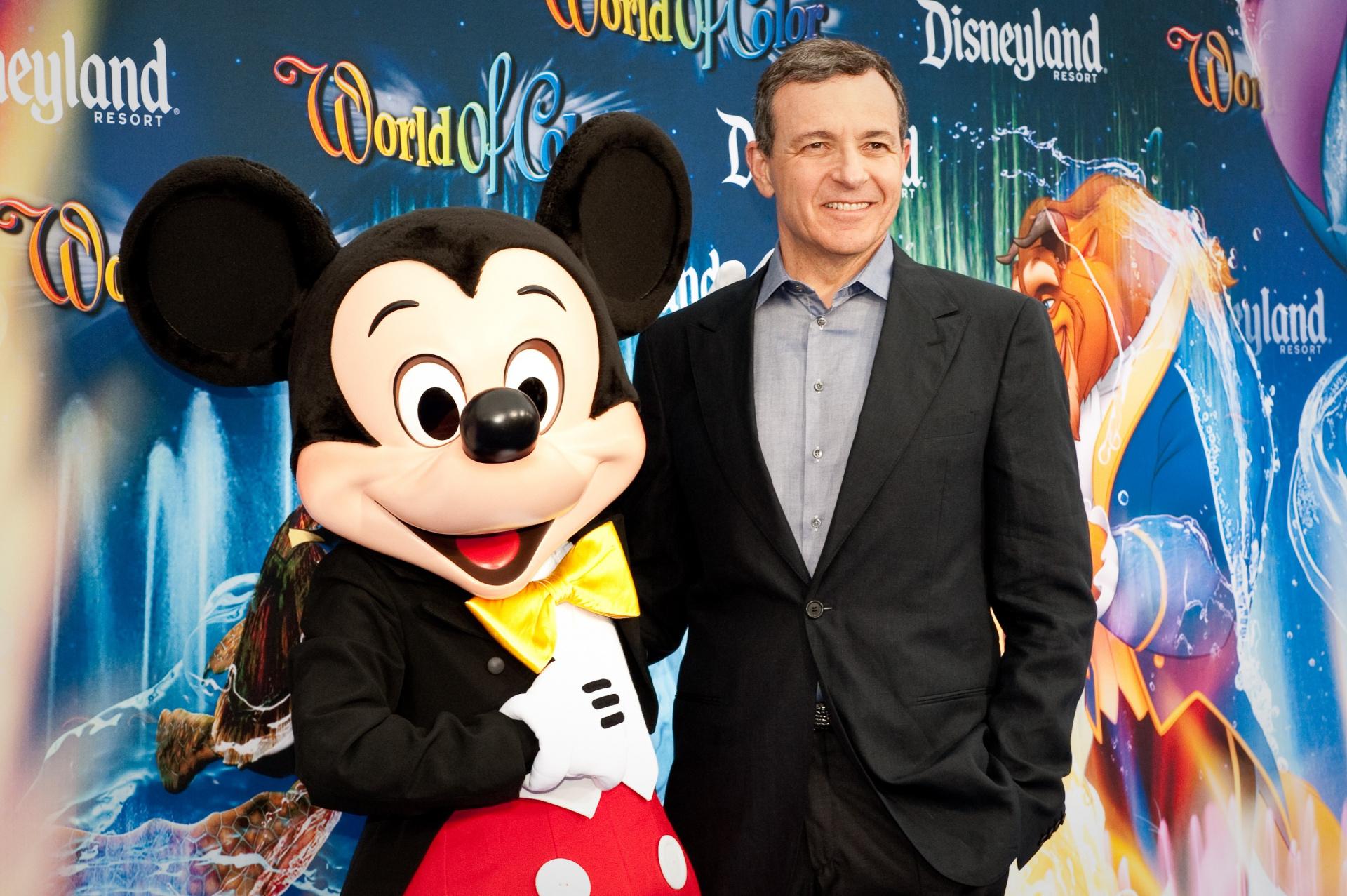 Боб Айгер продал половину своих акций Disney почти на 100 млн долларов