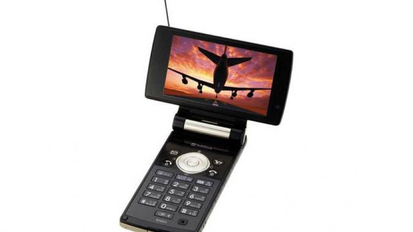 Карманный телевизор с GSM-модулем от Sharp
