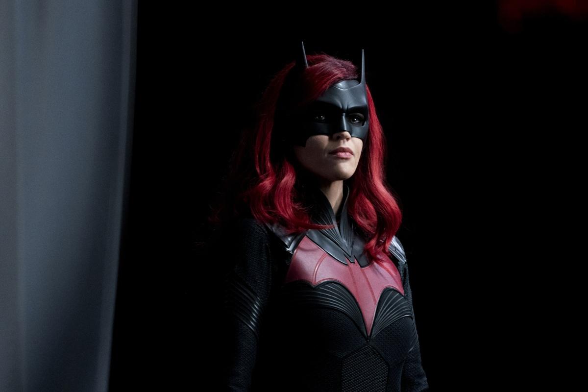 Исполнительница роли Бэтвумен покинула проект после одного сезона