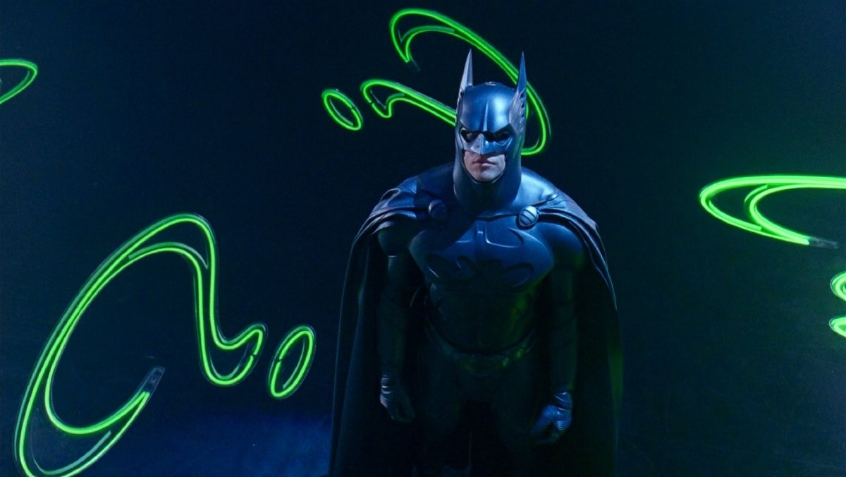 Существует расширенная и более мрачная версия «Бэтмен навсегда»