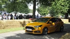 Автомобиль из Gran Turismo6 сразился со своим реальным прототипом