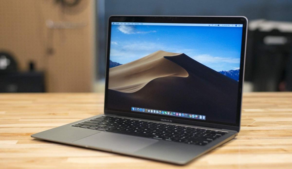 Тим Кук пообещал удешевить MacBook Air