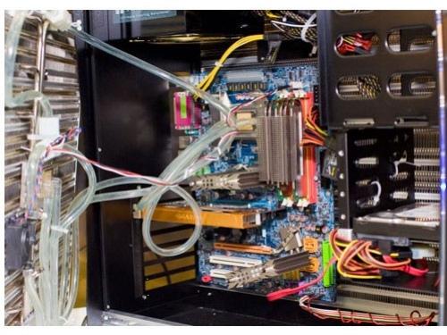 Computex 2008: корпус-радиатор от Thermalright