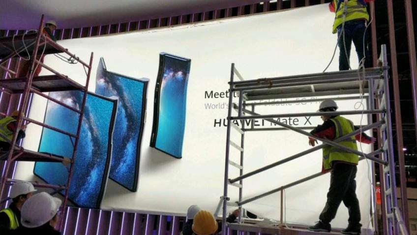 Утечка: вот так выглядит складной смартфон Huawei Mate X