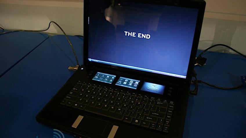 IDF09: ноутбук с четырьмя дисплеями
