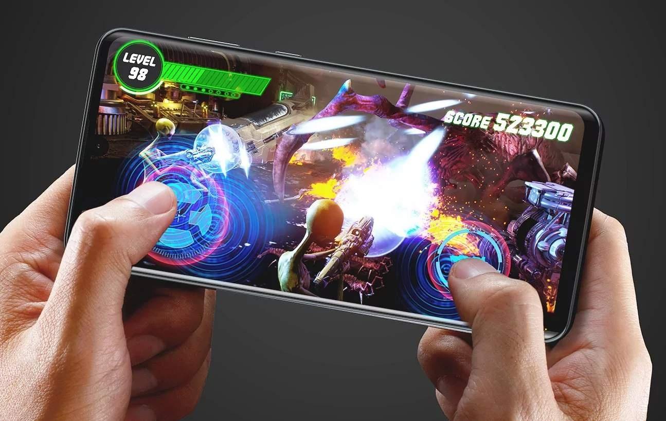 Смартфон Sharp Aquos Zero2 оснащён экраном на 240 Гц