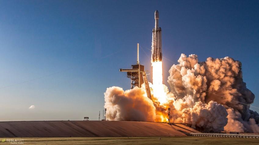 Ракета Falcon Heavy успешно запущена в третий раз