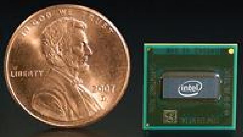 Intel Atom отмечает первый ДР