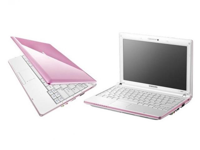 Розовый ноутбук Samsung