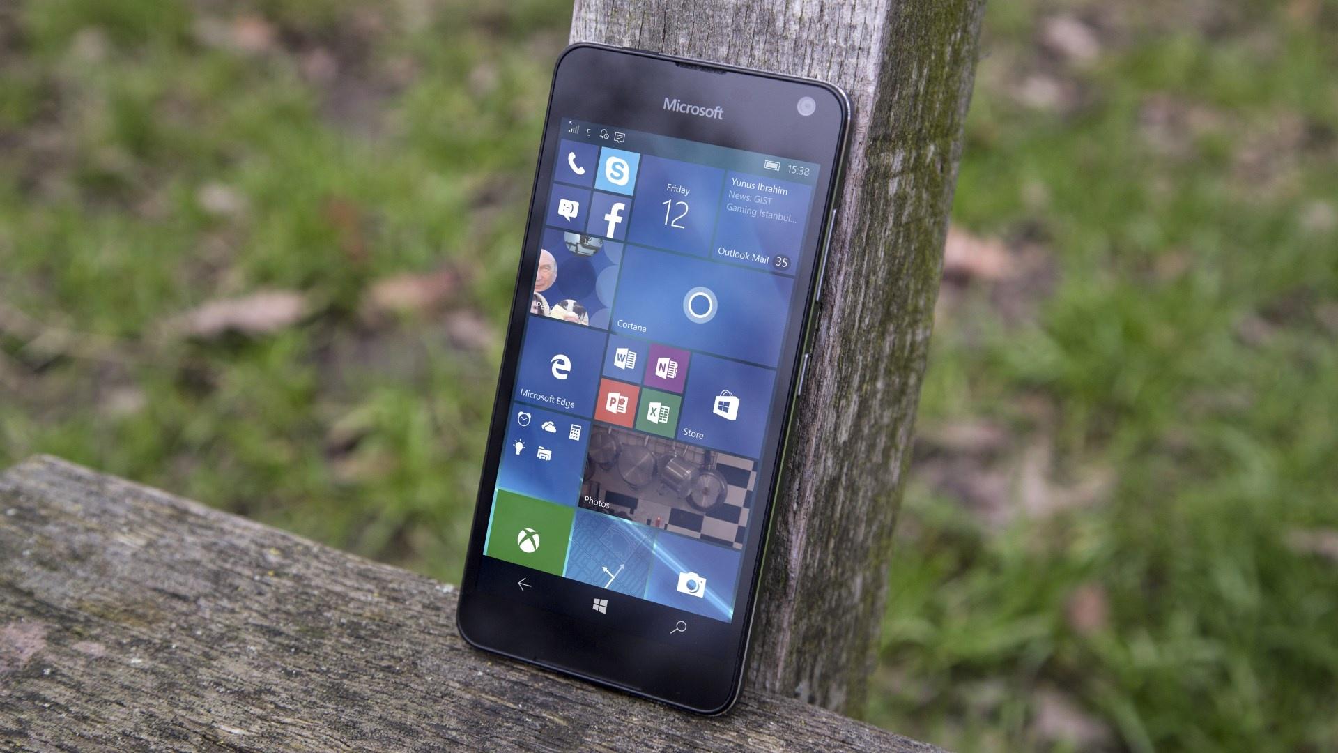 Билл Гейтс рассказал, кто виноват в провале Windows Mobile и победе Android