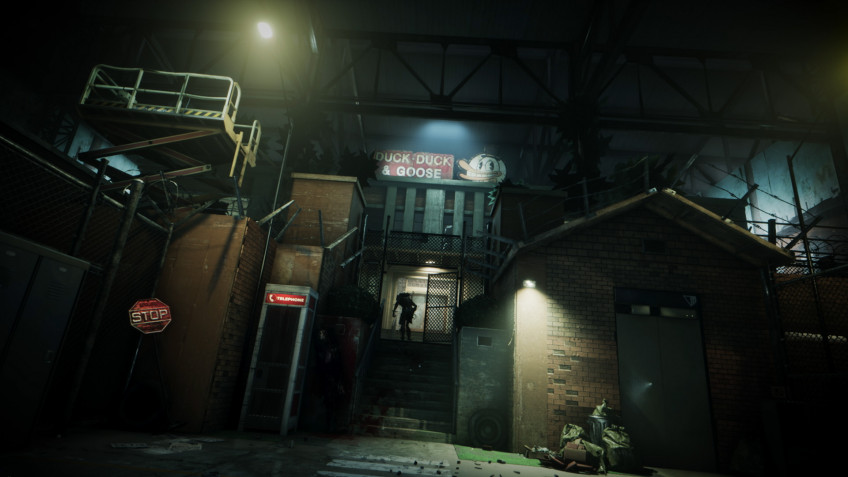 «Меркоф» состоит издесятка складов, соединённых подземными тоннелями. Вкаждом помещении воссоздана локация извнешнего мира внатуральную величину.1
