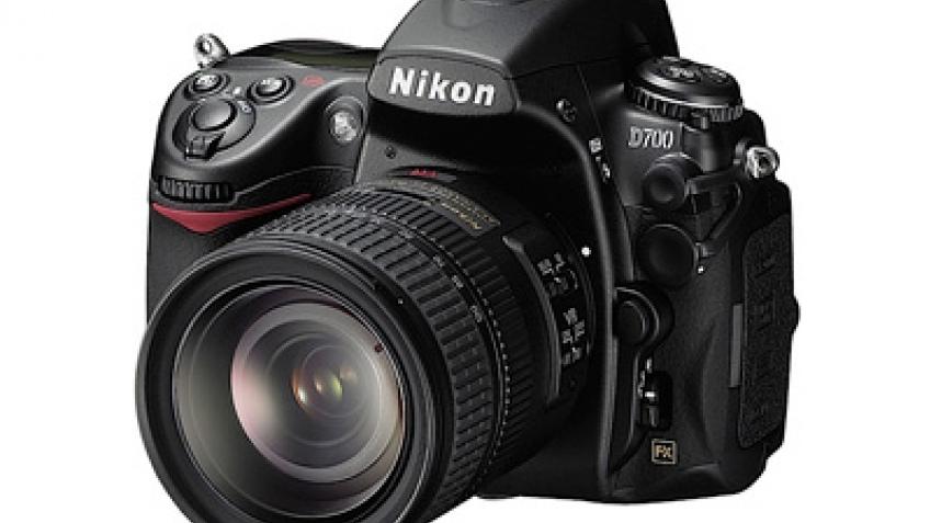 Nikon представила полнокадровую камеру D700