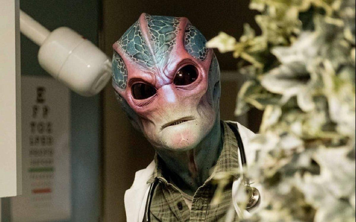«Засланца из космоса» с Аланом Тьюдиком продлили на второй сезон