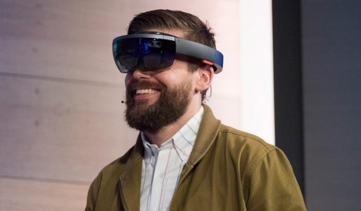 Microsoft HoloLens для разработчиков будет стоить 3000 долларов
