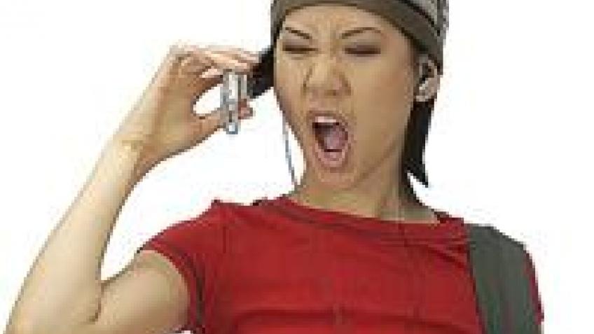 Телефонный локоть – новая болезнь любителей поболтать по телефону