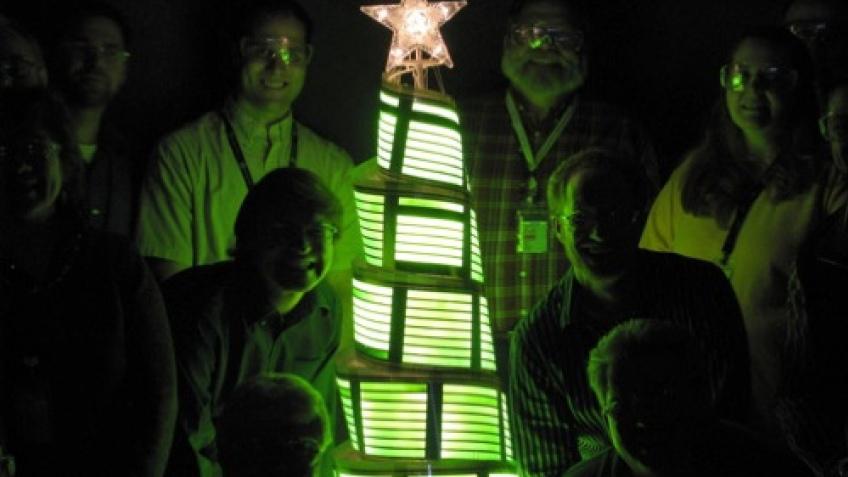 OLED-елка от General Electric