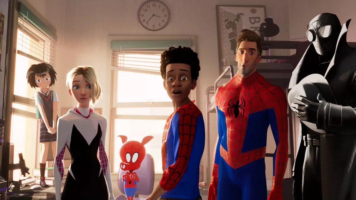 В «Человек-паук: Через вселенные» планировалось камео Пауков из фильмов