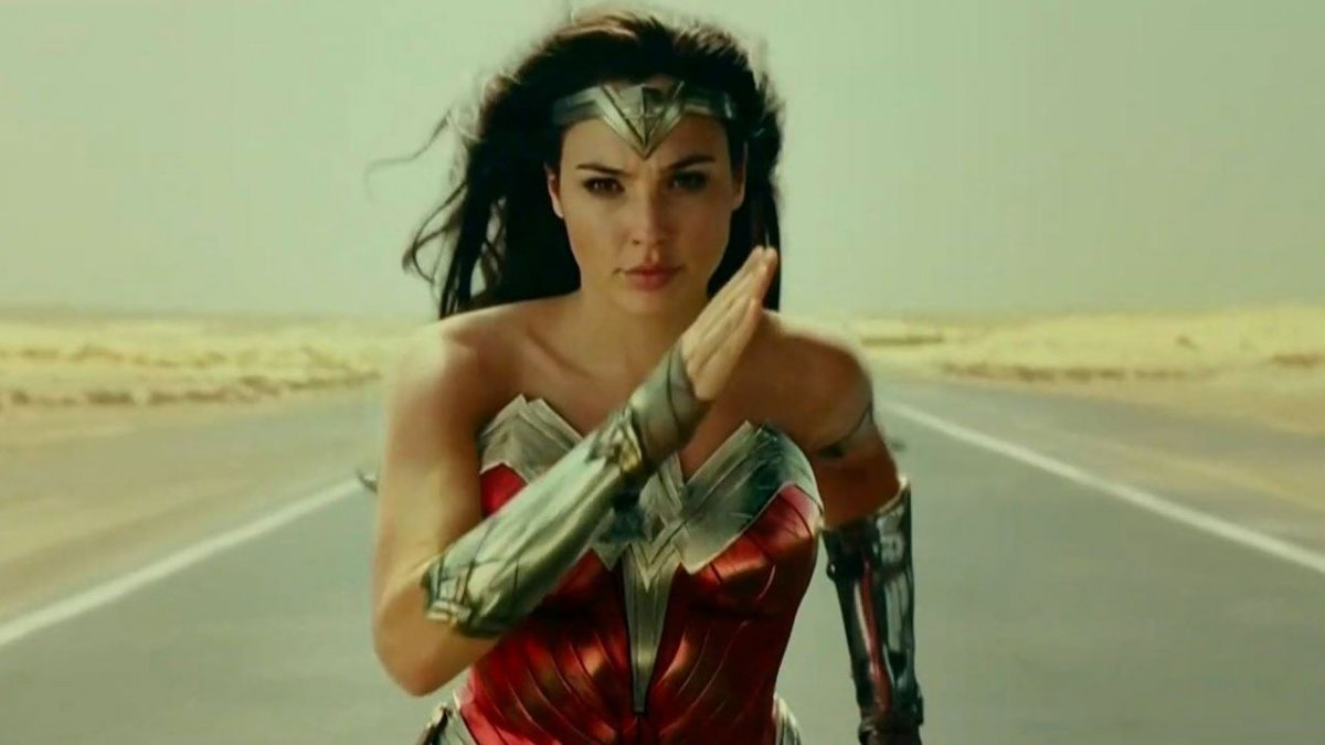 Режиссёр «Чудо-женщины» назвала фильмы со стримингов «ненастоящими»