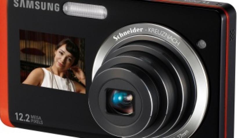 Samsung представила камеру с дисплеем на передней панели