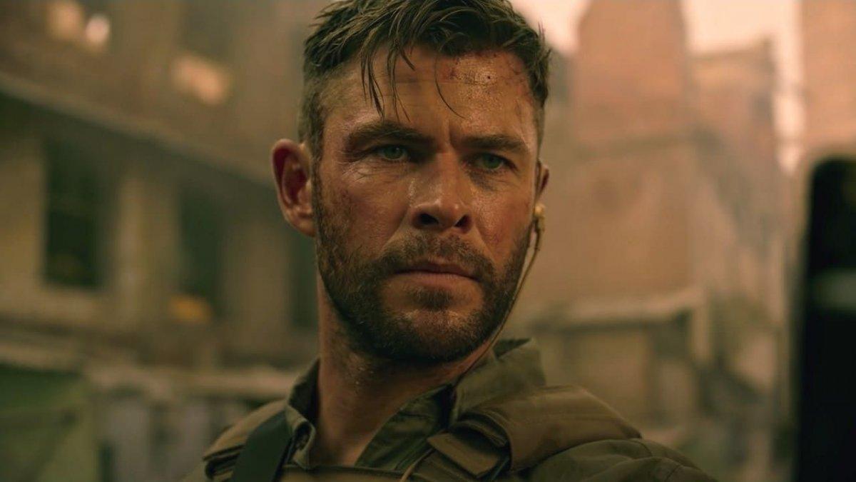 На Netflix состоялась премьера нового боевика с Крисом Хемсвортом