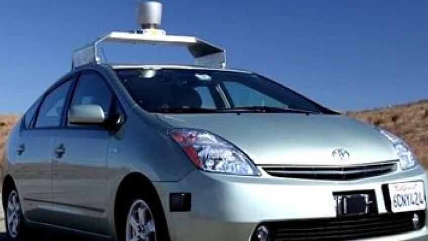 В Неваде легализуют самостоятельные машины Google?