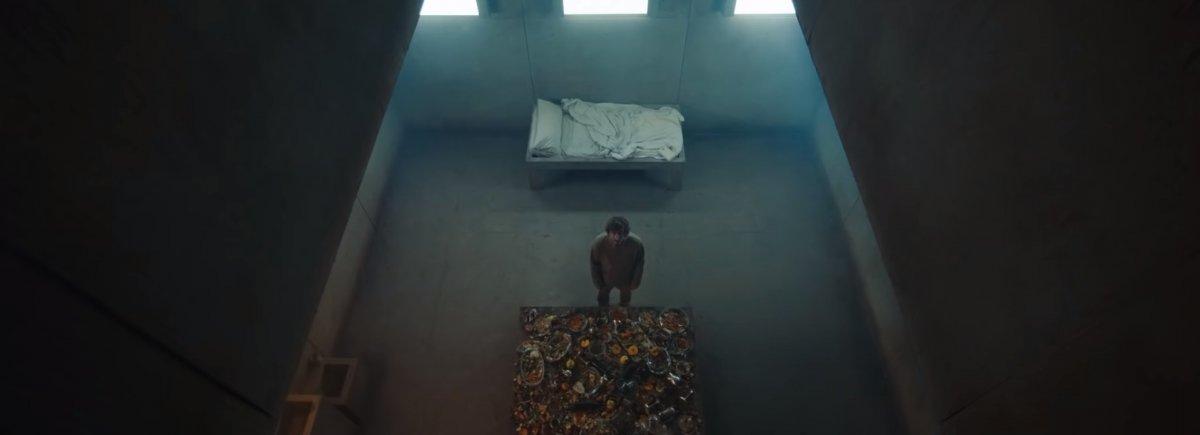 Появился трейлер триллера «Платформа» о необычной вертикальной тюрьме