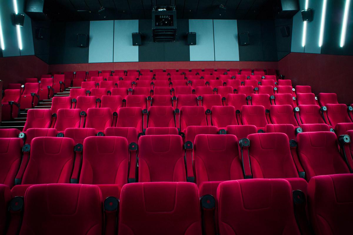 С12 февраля в Санкт-Петербурге увеличат лимит заполняемости кинозалов