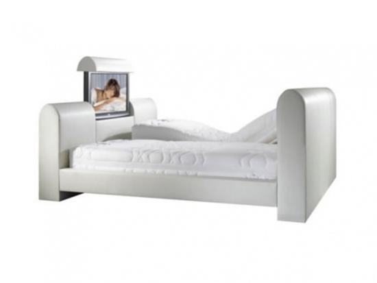 Кровать вместо ДК и массажиста