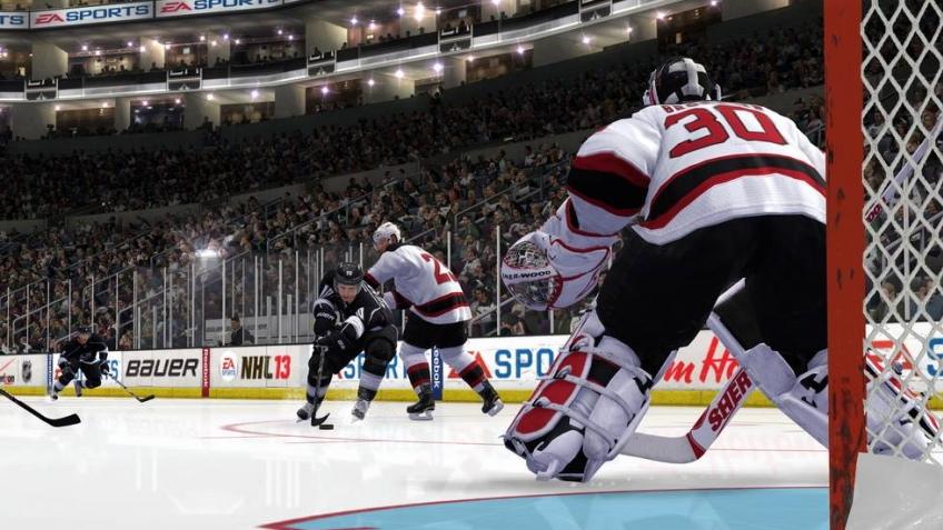 ЕА выпустила пробную версию NHL13