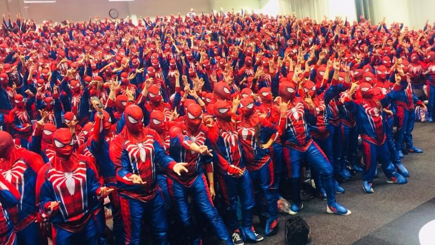 Установлен новый рекорд Гиннесса по числу Человеков-пауков в одном месте